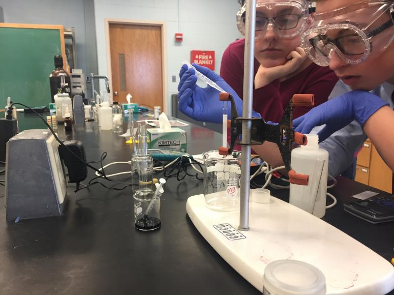 PHS Students working on a chromatography project at USM