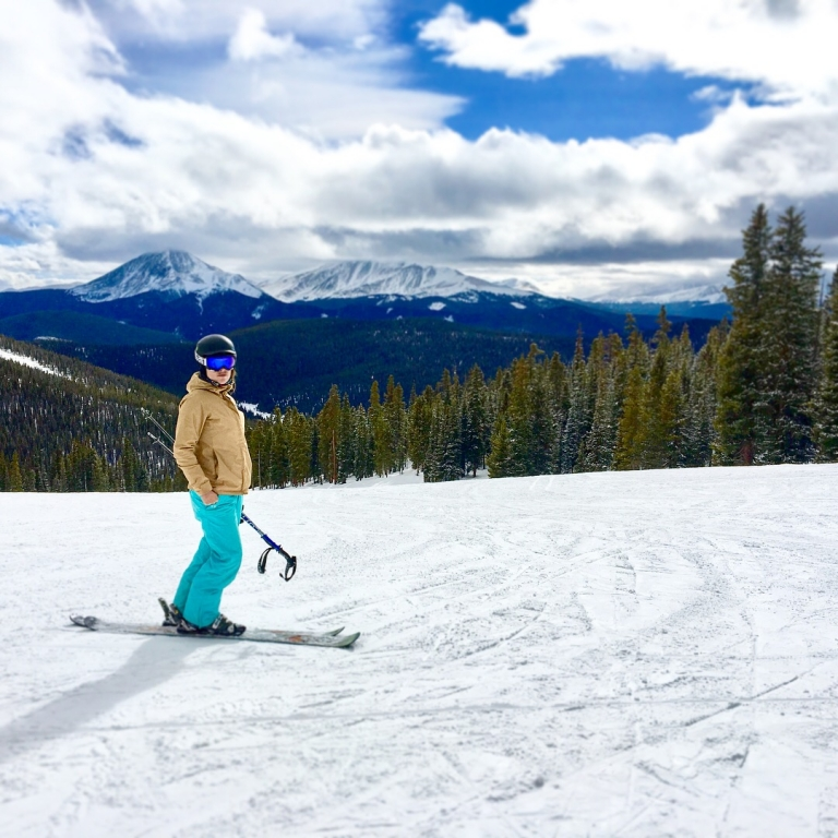 ROCC student leader skiing