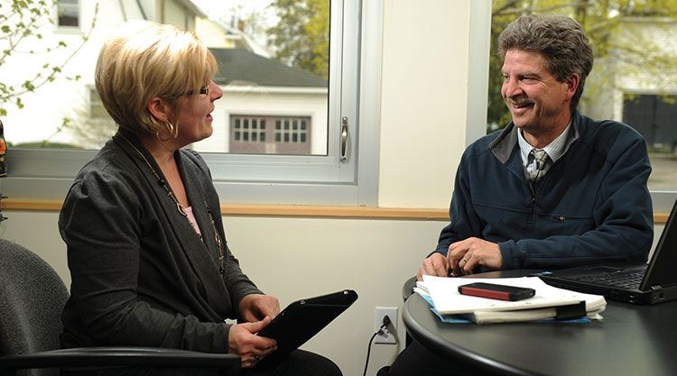 Faculty advising student