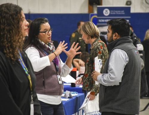 students meet with employers at Fall 2018 job fair