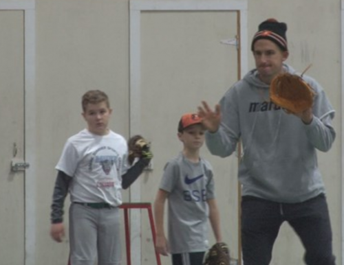 Baltimore Orioles player Ryan Flaherty at USM youth clinic