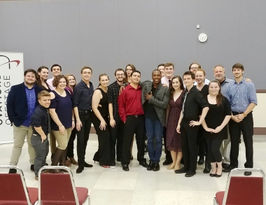 USM students with Leslie Odom Jr.