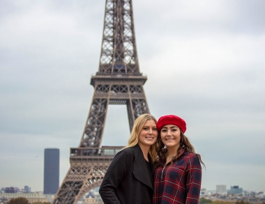 Kaylyn Madore and Leah Graves in Paris_study abroad at USM
