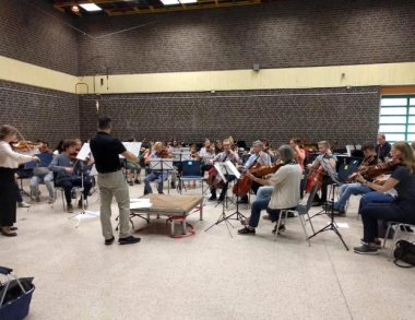Dr Lehmann guest conducts German orchestra